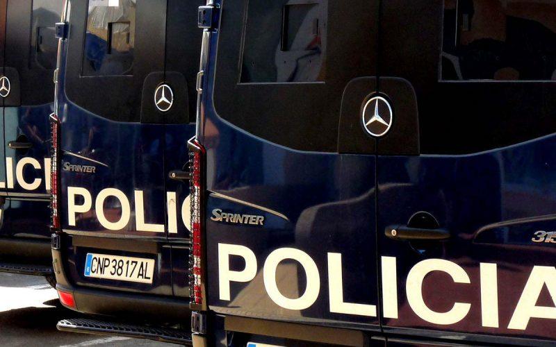 2011_8-21-spanish-police7535889996_a6db45f48f_o (1)