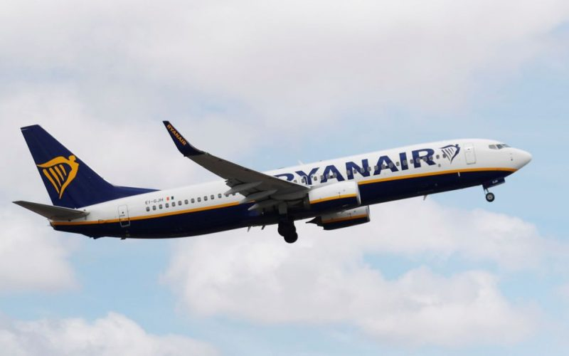 skynews-ryanair-plane_4361657