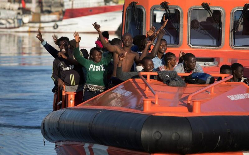 Spanish government reduces irregular immigration by half