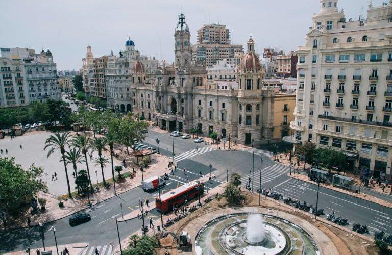Valencia city hall plaza