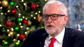 Jeremy Corbyn apologises over anti-Semitism row