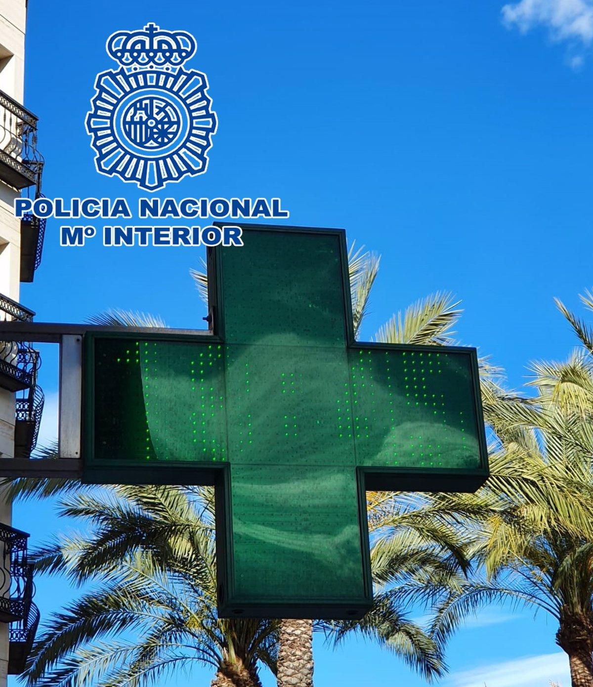 Almería. Sucesos. Detenido Un Empleado De Farmacia Por Falsear Pcr A 130 Euros Para Que Marroquíes Pudieran Ir A Su País