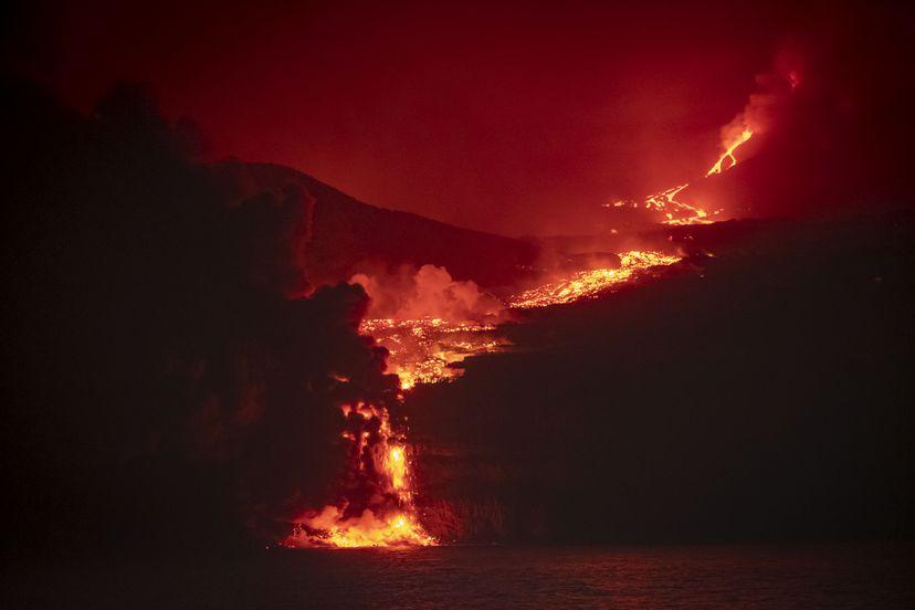 Lava reaches sea